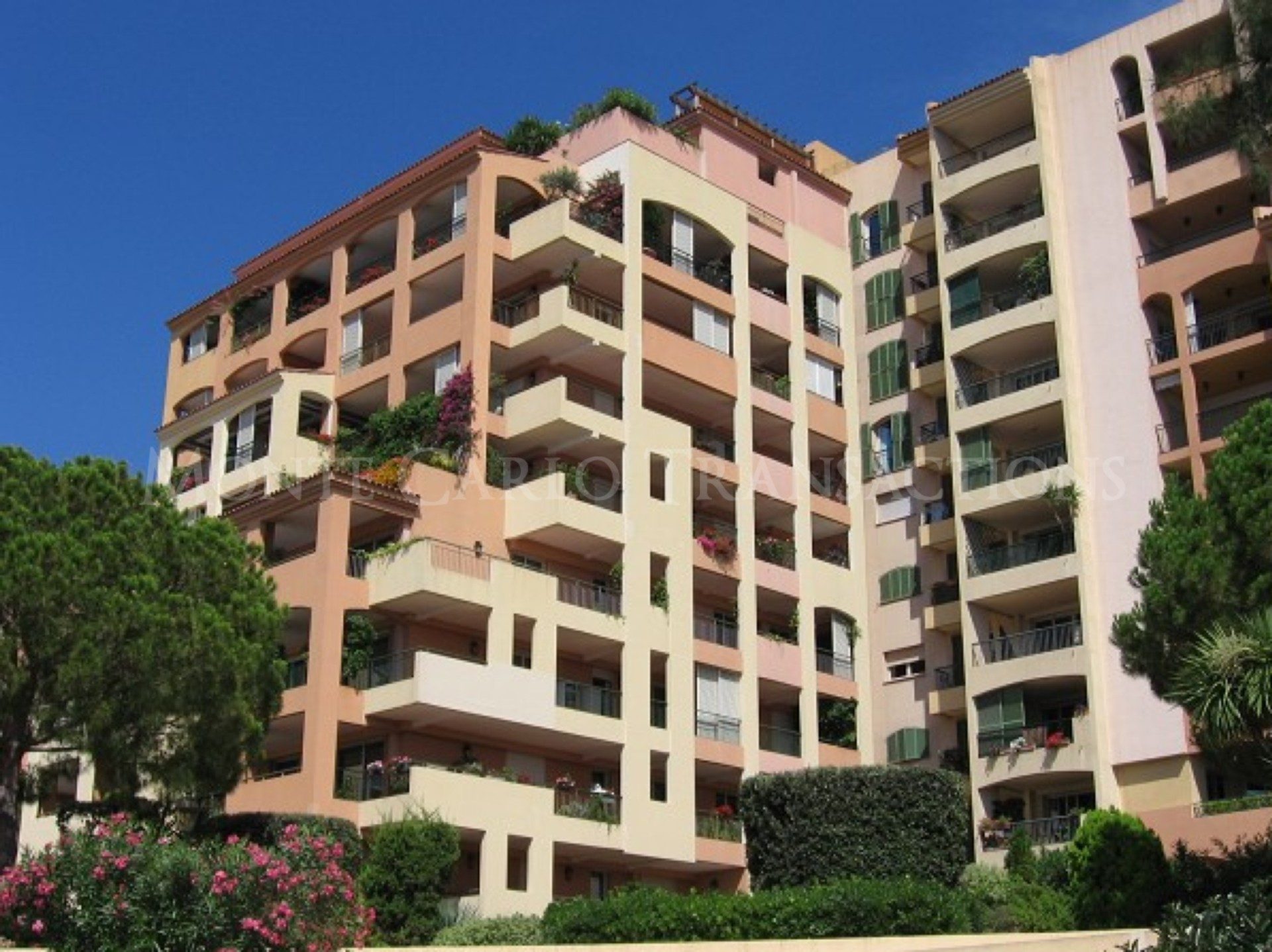LE PARADISE- FONTVIEILLE-7 Rooms- Amazing Sea View