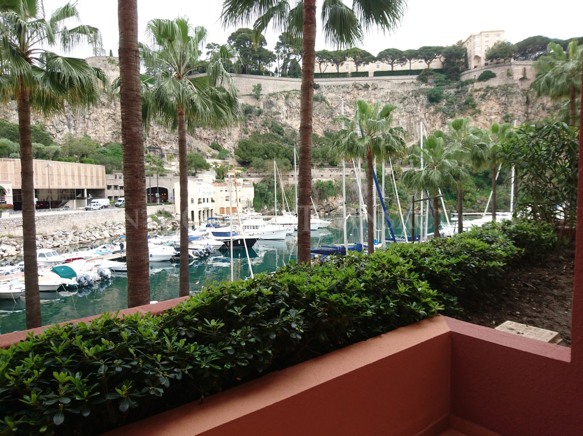 Beautiful 2 bedroom apartment with view on the port of Fontvieille
