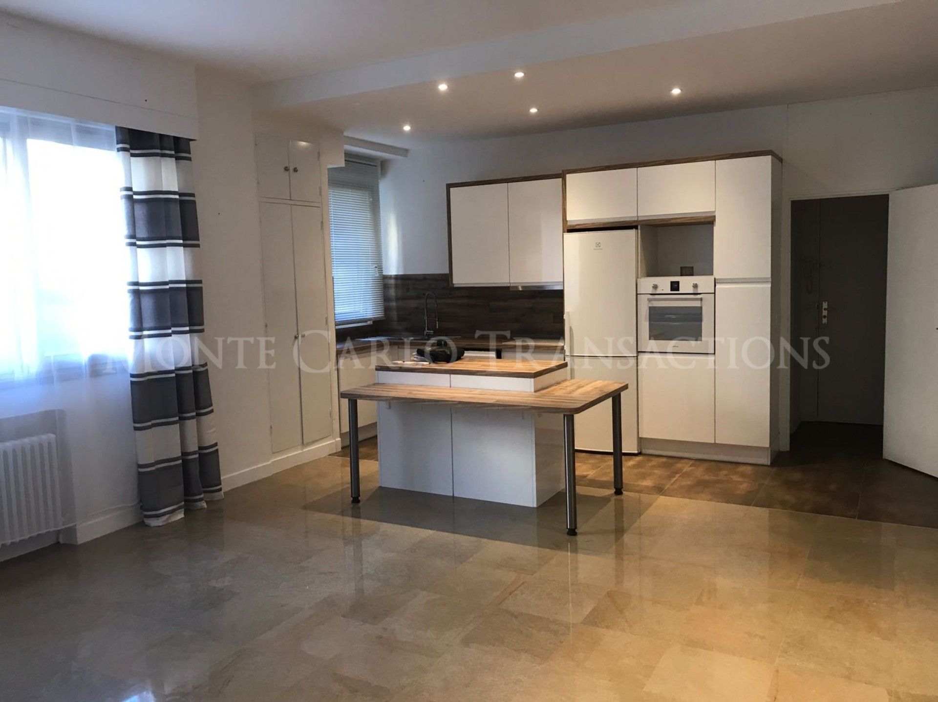 LE ROQUEVILLE-1 Bedroom - USAGE MIXTE